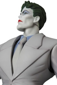 MedicomToy MAFEX No.124 JOKER (The Dark Knight Returns) Action Figure