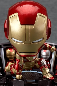 GOOD SMILE COMPANY (GSC) Iron Man 3 Nendoroid Iron Man Mark 42 Heroes Edition + Hall of Armor Set